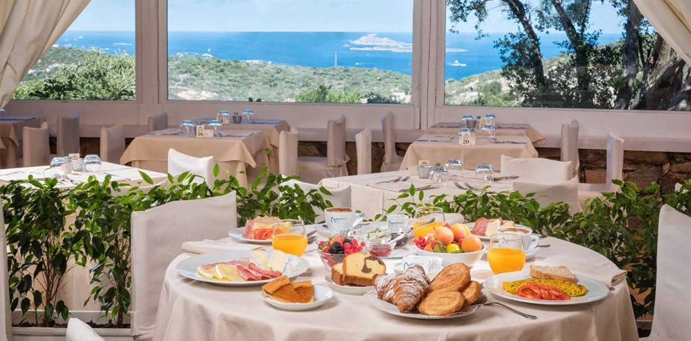 Breakfast with a View - Hotel Rocce Sarde