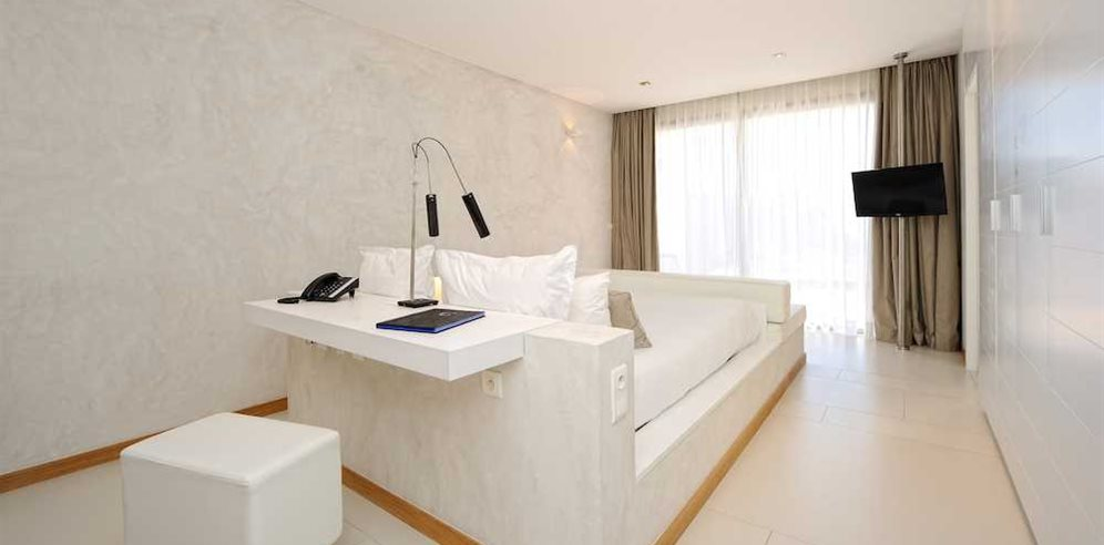 Deluxe Suite Bedroom with Private Swimming pool at Hotel Cala di Greco