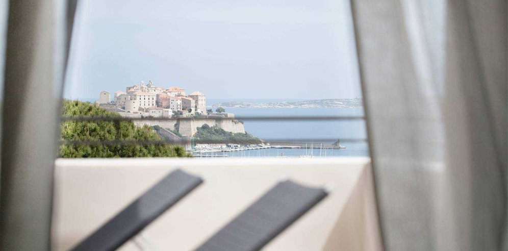 2 Bedroom Apartment Sea & Citadel View Bathroom Terrace at Hotel La Villa