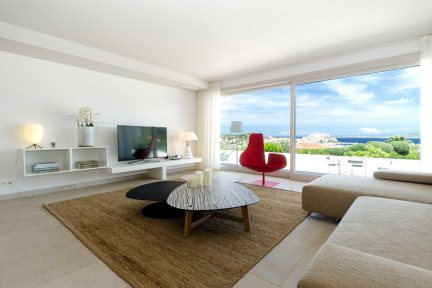 Prestige 2 Bedroom Apartment Sea & Citadel View