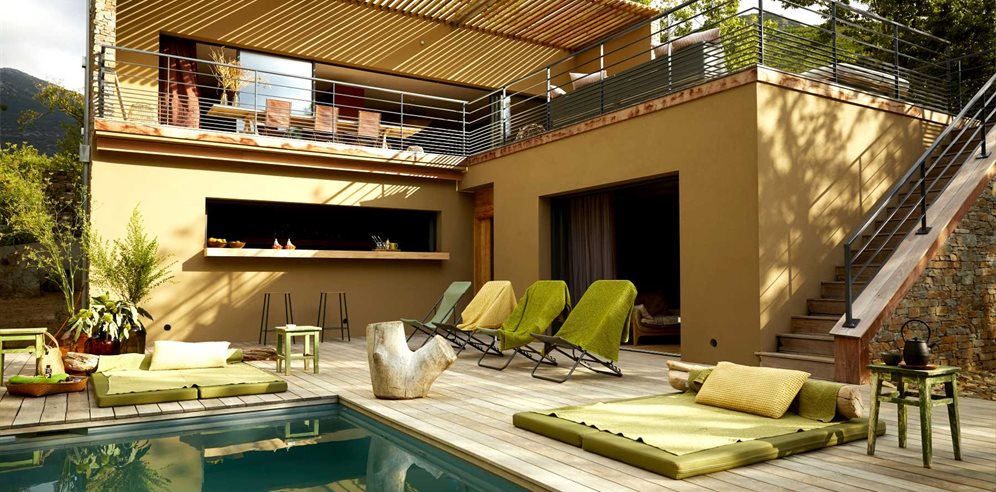 Outdoor terrace, kitchen and pool