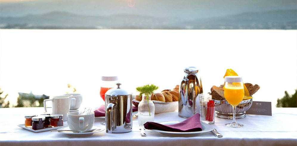 Breakfast Room Service - Casadelmar